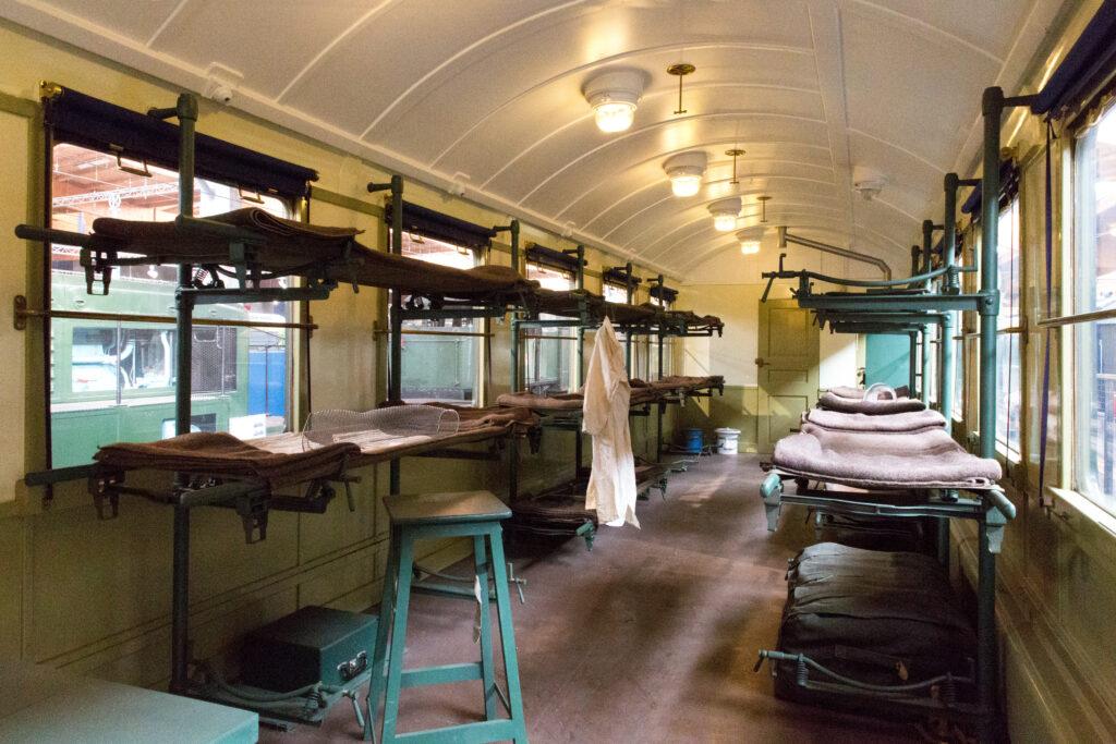 Train sanitaire, sncf, voiture OCEM C11 sanitarisable, covid-19, cité du train