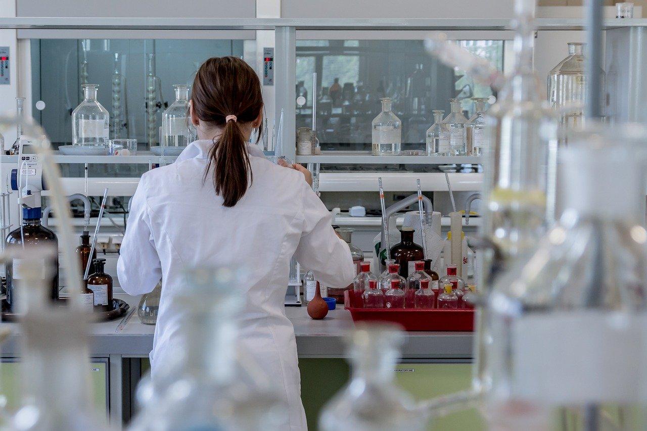 Laboratoire, vaccins, recherche médicale, Sanofi, Pasteur, Covid-19
